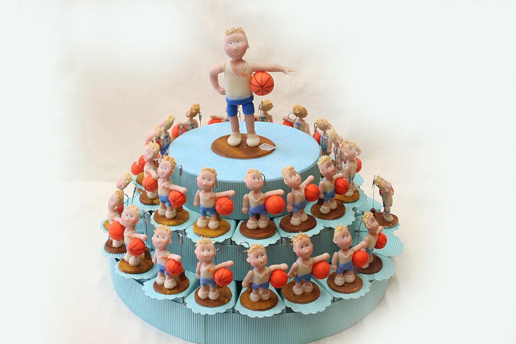 cake topper personalizzato su struttura torta bombonere