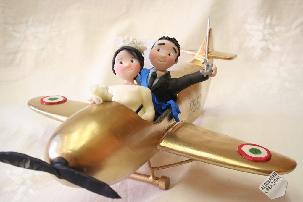 sposi anniversario su aereo