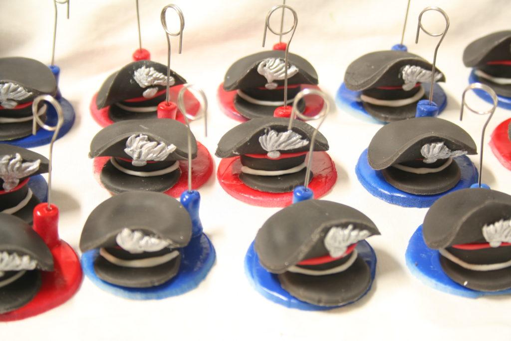 cappellini base rossa e blu 1