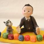 cake topper battesimo bambino con gatto e giocattoli